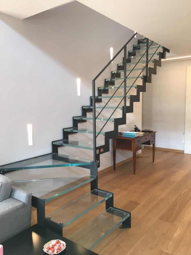 escalier en verre et métal design
