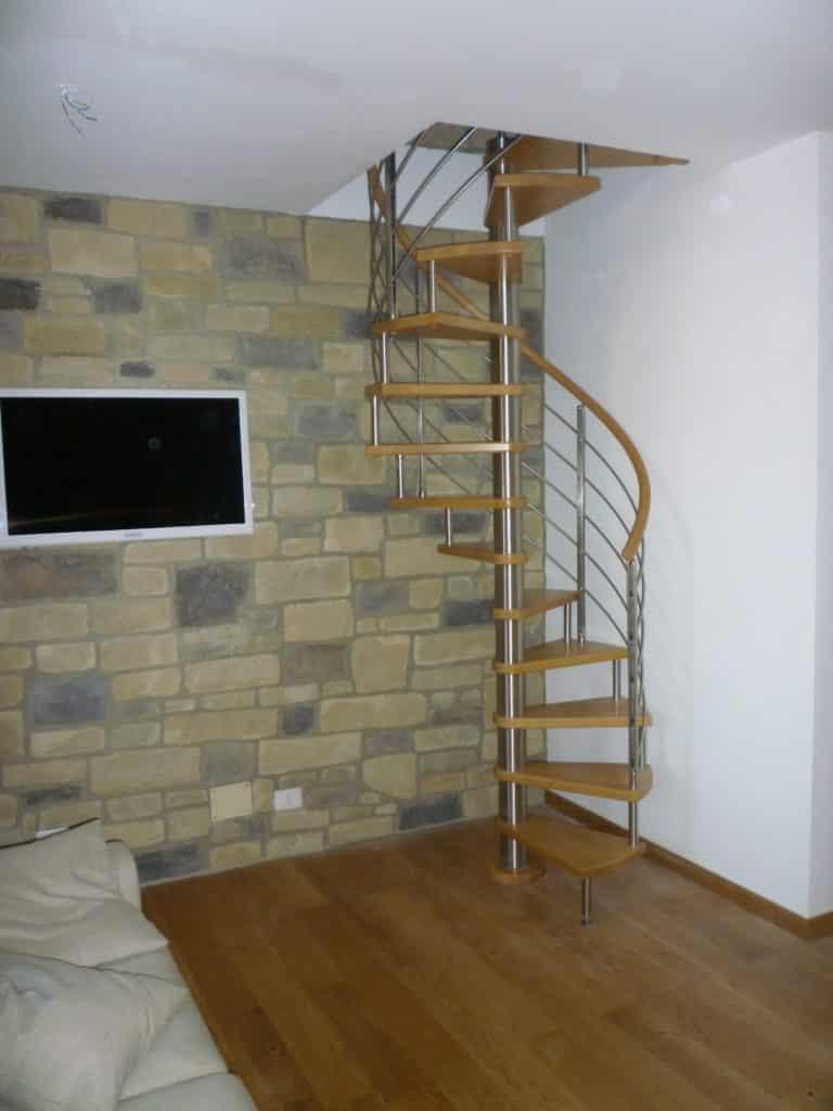 escalier colimaçon en bois et inox