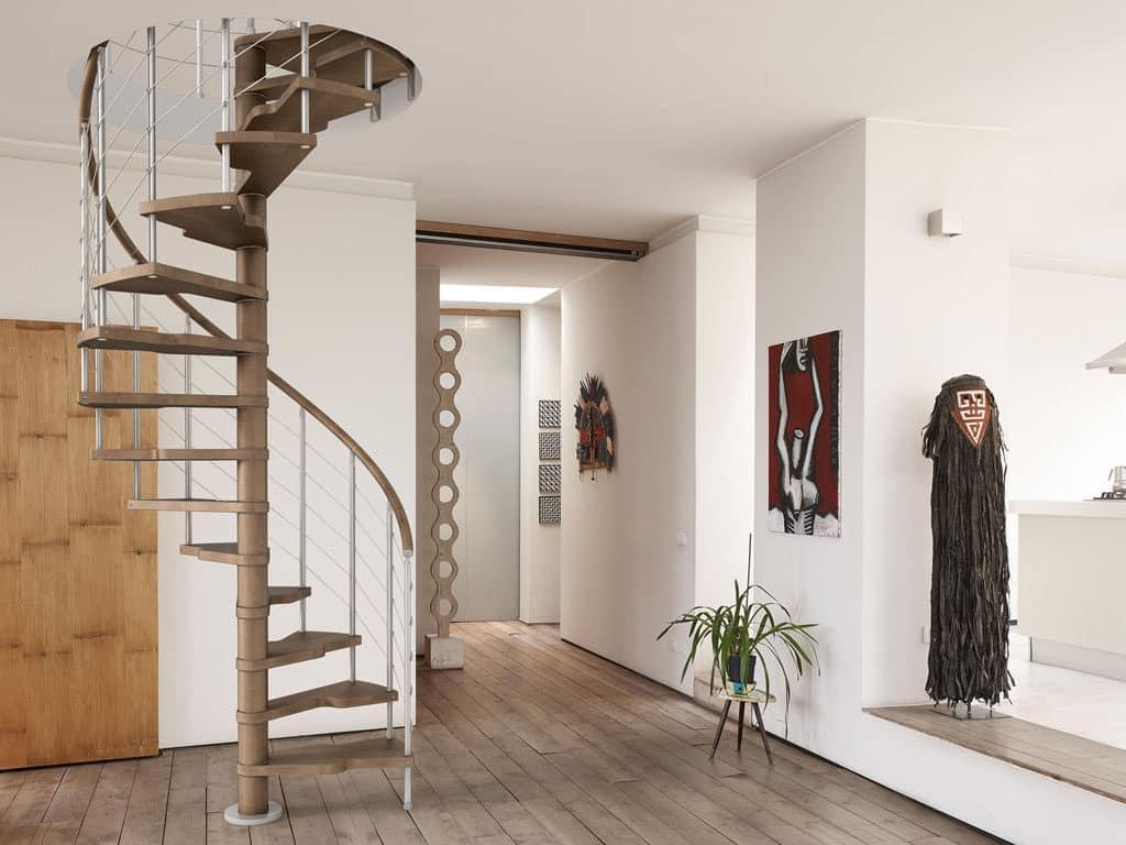escalier hélicoïdal en bois et inox