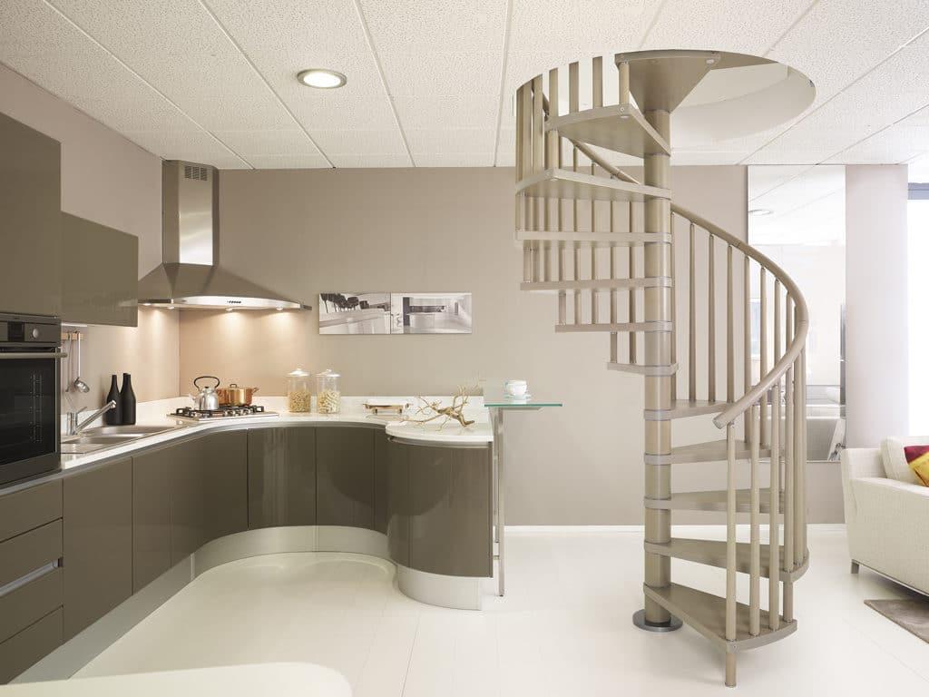 escalier moderne en acier et en bois - escalier colimaçon