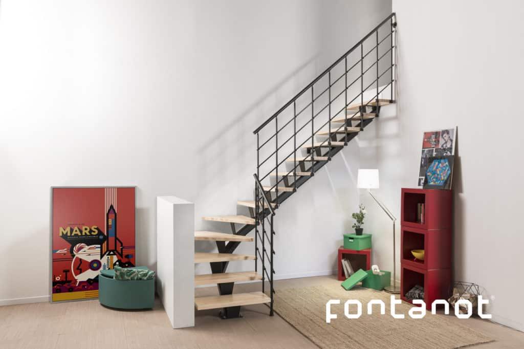 escalier d'intérieur en bois et métal