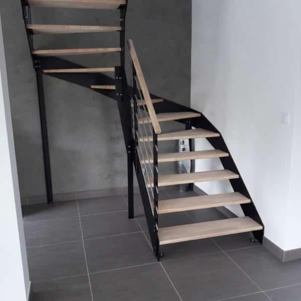 escalier en métal et en bois quart tournant