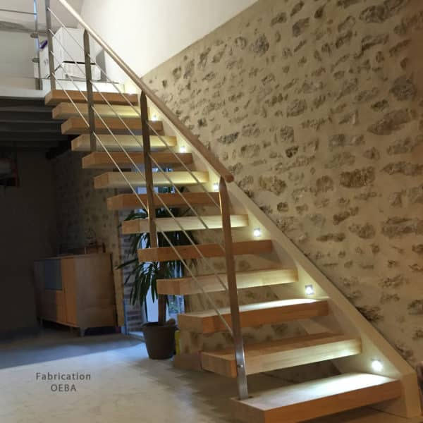 escalier intérieur en bois moderne