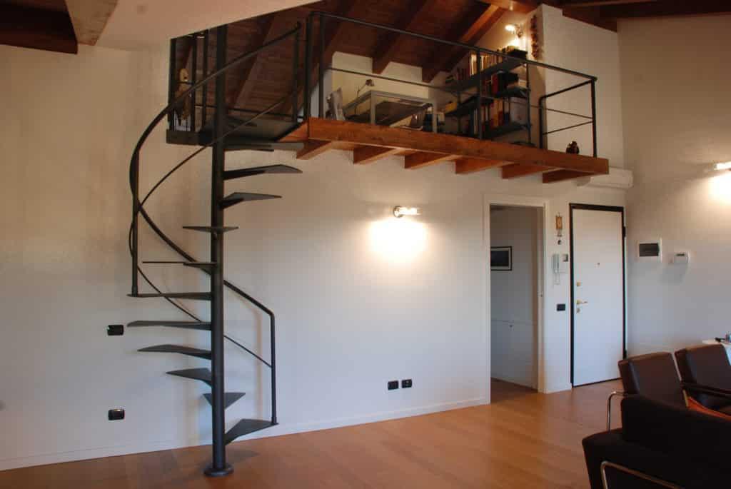 escalier contemporain en métal