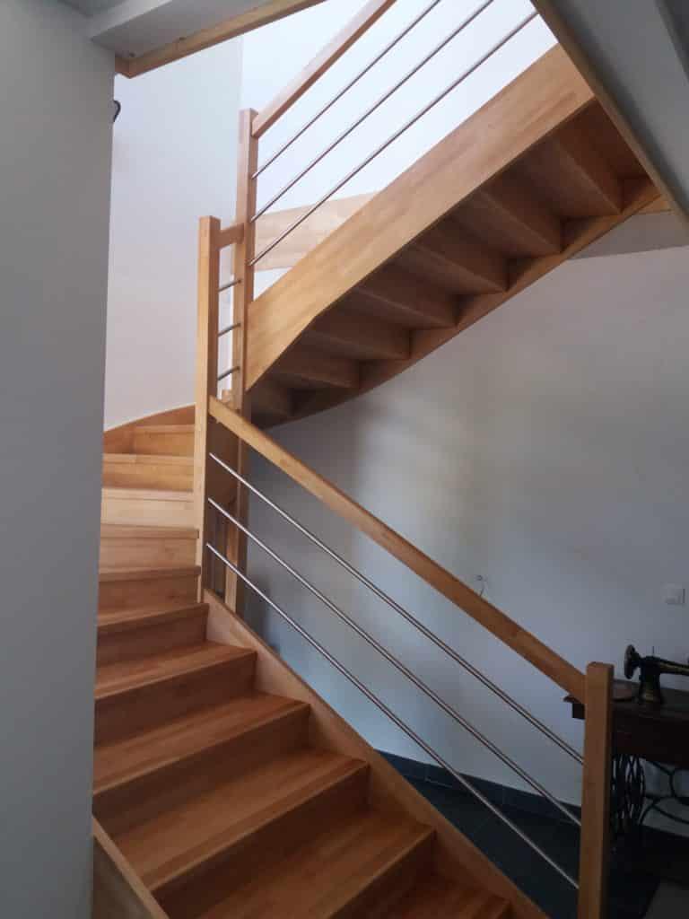 escalier limon central en bois - gamme c design bois