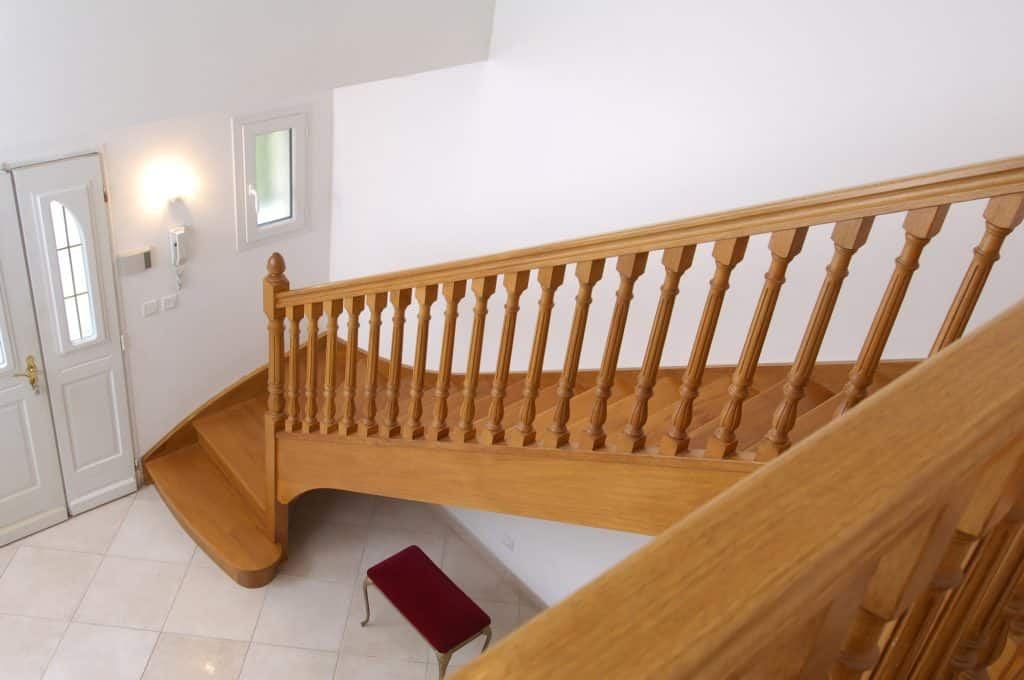 fabricant d'escalier en bois proche de valence