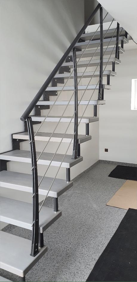 Escalier avec Limon Crémaillère et Entretoises