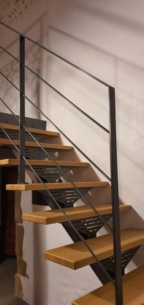 escalier moderne en métal